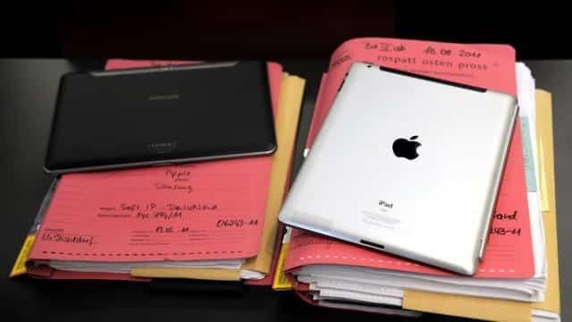 samsung_galaxy_tab_and_apple_ipad